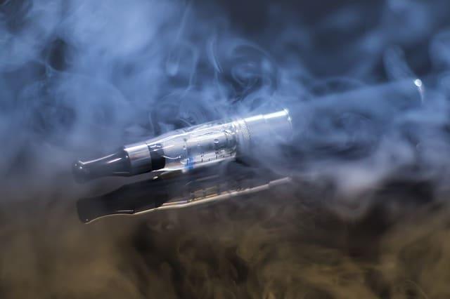 iqos, juul y cigarro electronico